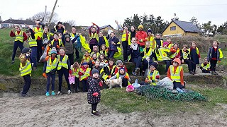 Beach clean team